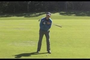 Golf lessons – How to play from a downhill lie